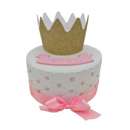 Gâteau princesse rose et blanc avec ruban